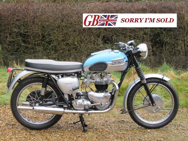 1961-Triumph-T120R_sis