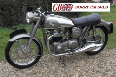 1956 Norton 88 Featherbed1_sis