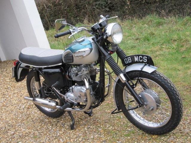 Triumph T100P